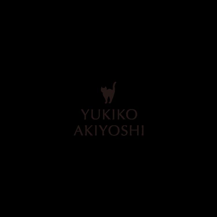 サイト起動時に秋吉由紀子のロゴを表示